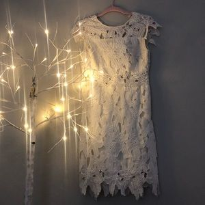 Dresses & Skirts - Lace White / Ivory Dress